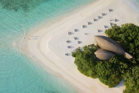 DHIGALI MALDIVES WATER VILLA