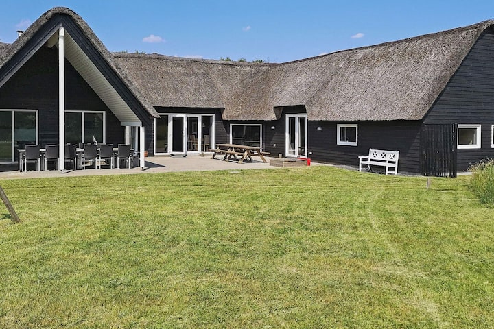 Luxurious Holiday Home in  Rømø with Sauna