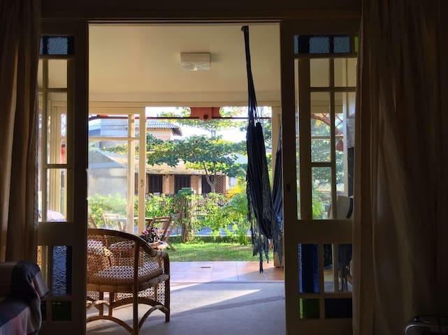 Beira da Praia de Garopaba / Casa completa