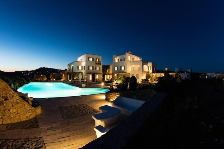 Villa Paradiso 6 bedrooms