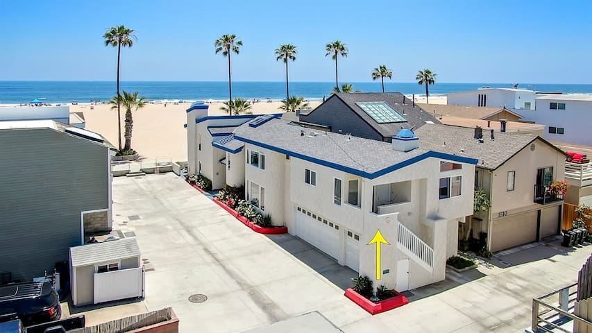 15th St - 2 Bedroom BACK Apt at Beachfront Home