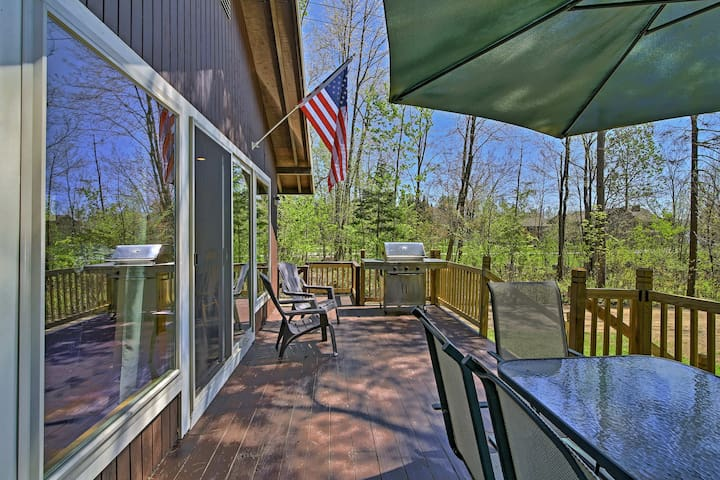 Lakefront Speculator Home w/Deck Near Oak Mountain