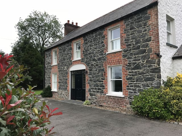 The Old Post Office Dromore, Entire House