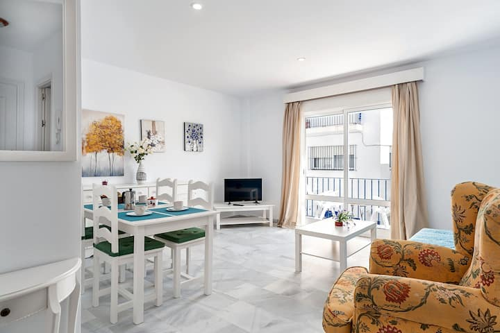 Central Apartment close to the Beach with Wi-Fi and parking - Apartment Antonia