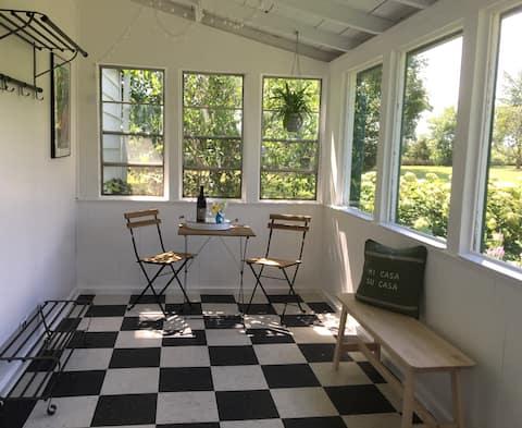 PEC Warren Farmhouse Suite in Picton