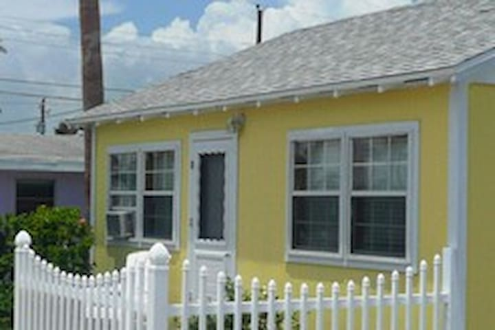 Double Barr Cottage -- Two bedroom / One bath
