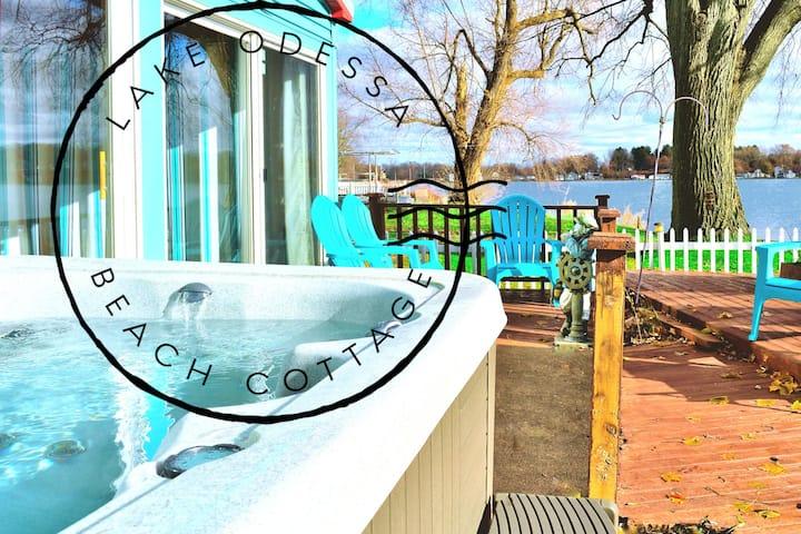 Lakefront, Hot Tub, Pet friendly, boats, walkable.