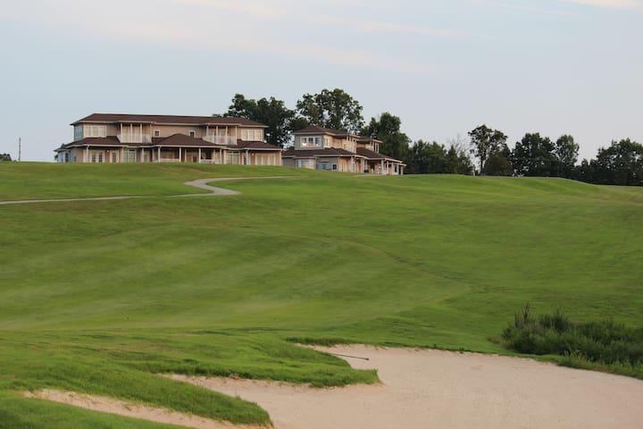 RiverWatch Golf Club Villa Downstairs Studio 171-1