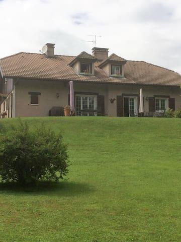 Appart 60 m² dans villa proche Annecy 74