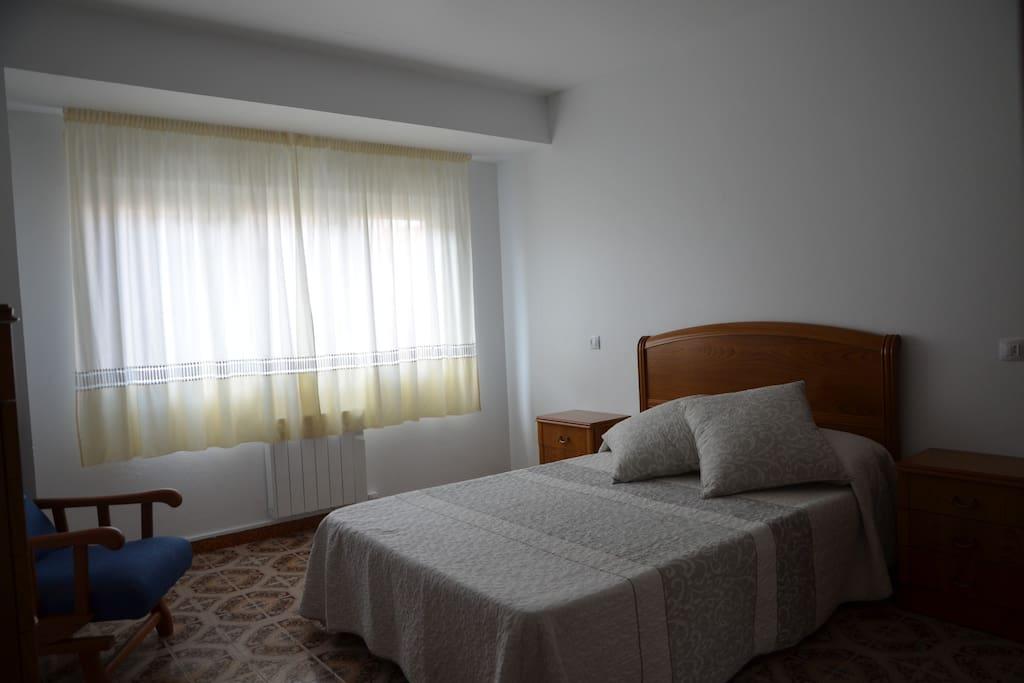 Habitación / Bedroom 1