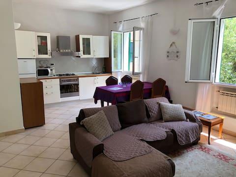 """Apartamento """"ERBORISTERIA"""" Via Pennavaire 27 Techo"""