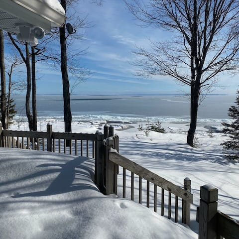 GITCHE GUMEE CHALET in Paradise, MI: (on Lake Superior) Spend Christmas here!
