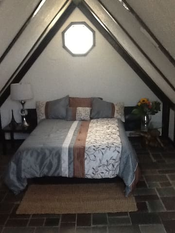 Large attic room in quiet private home