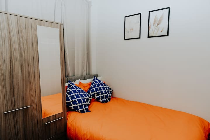 Cheap and cheerful room in Hanly Stoke on Trent
