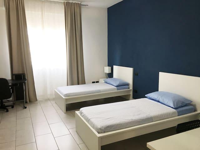 Posto letto - Camera moderna e spaziosa