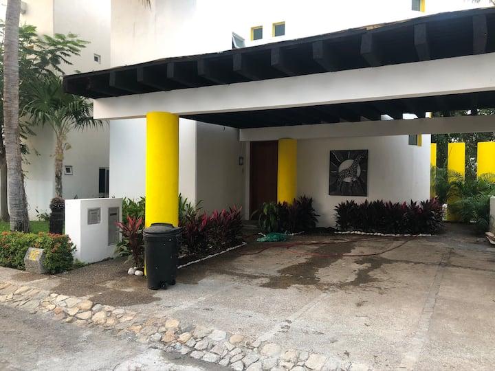 Casa en Mayan palace
