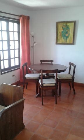 Fully furnished 1 bedroom in Montagne Noire - Port-au-Prince - Apartamento