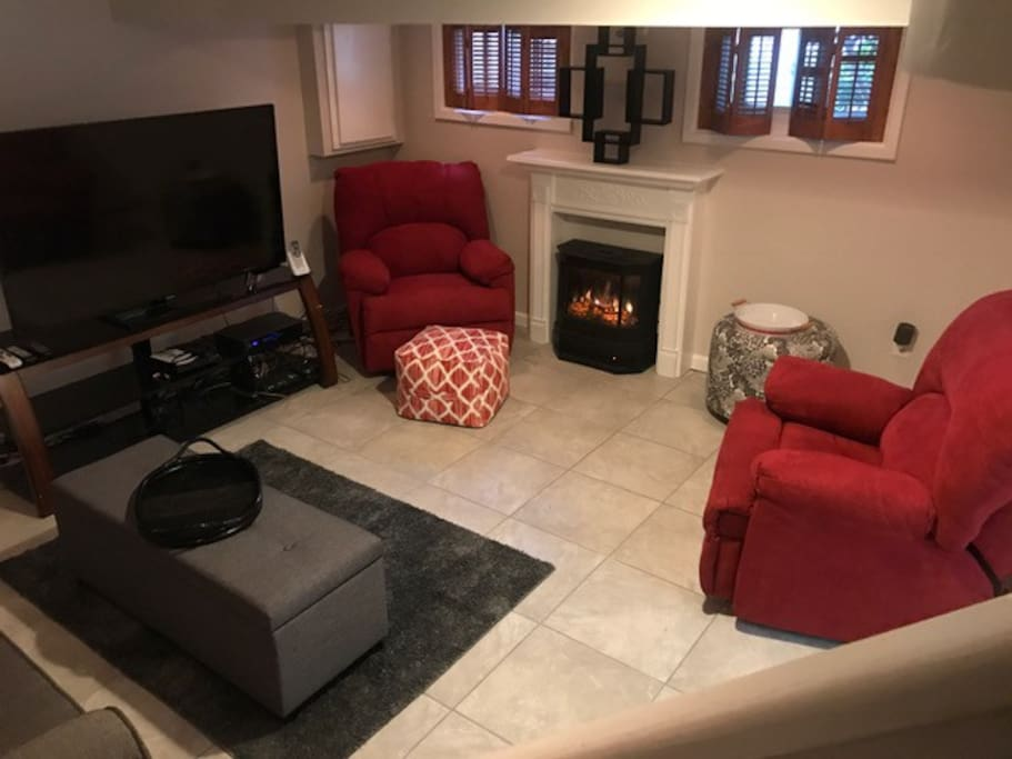 Guest Living Room 2