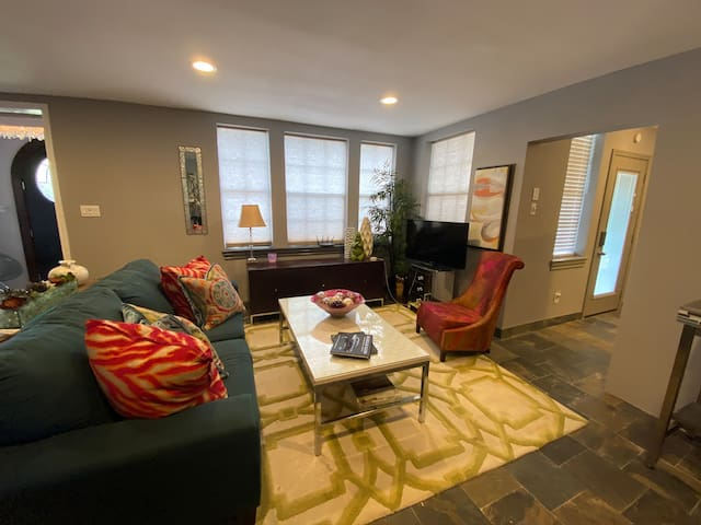 1-Historical District | 1 BR | Free Highspeed WIFI