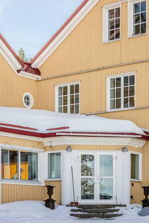 Historiskt boende vid Rallarstigen i Porjus