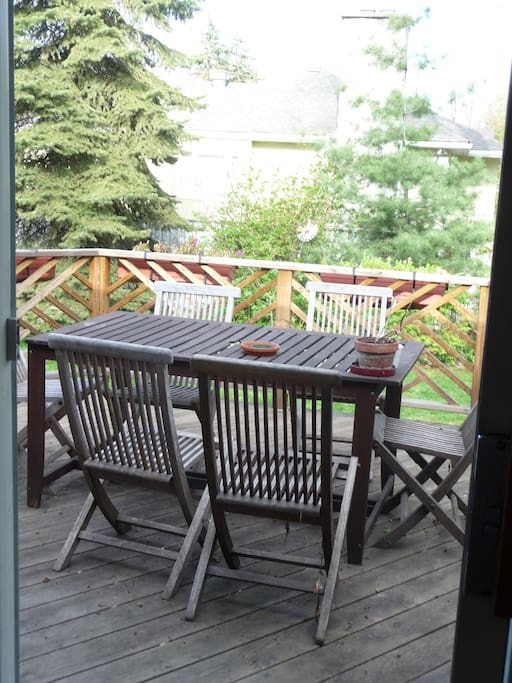 Deck with gas BBQ, Fenced backyard.