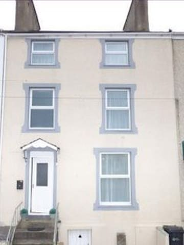 Awel-y-Don Town House - Holyhead - House