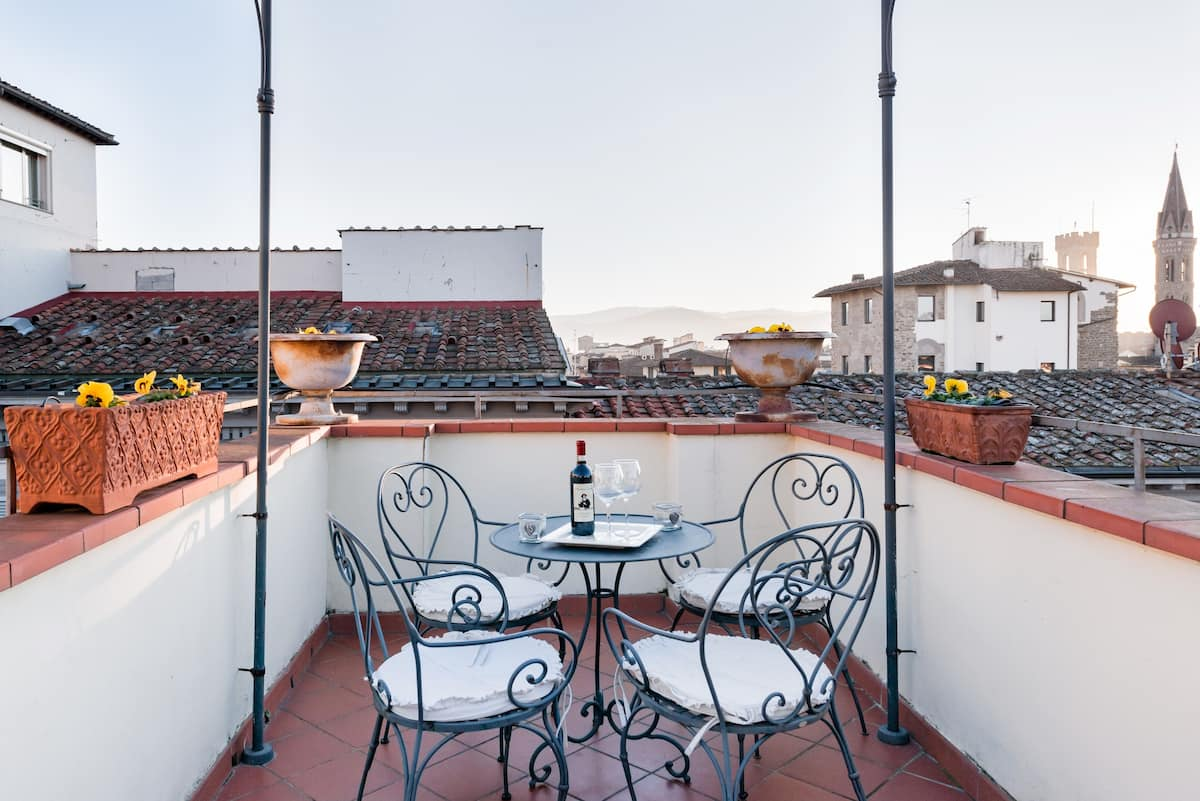 Romantic Apartment Suite with View of the Duomo