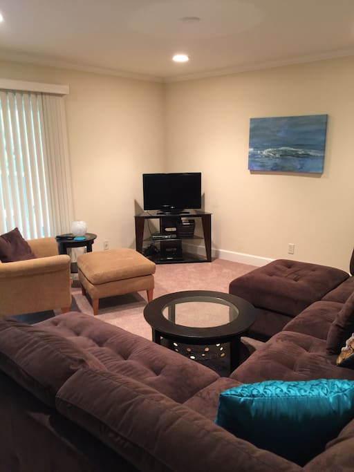 Living room, cable TV