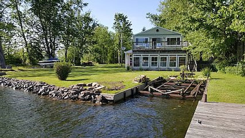 Watertfront - Oneida River - 5 bedroom - 2 docks