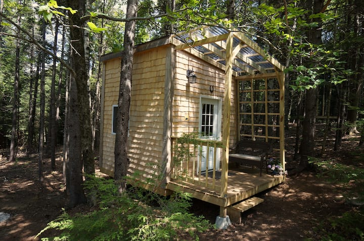 Custom-Made Tiny House near the Green Mountain NF