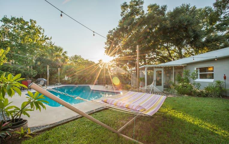 Tropical Oasis - 1 or 2 rooms w/ private bathroom - Orlando - Casa
