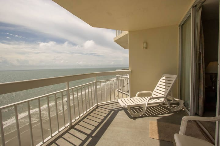 Perfect Oceanfront View at Waters Edge, Enjoy Spring Swimming with Indoor Pool and Hot Tub - Murrells Inlet