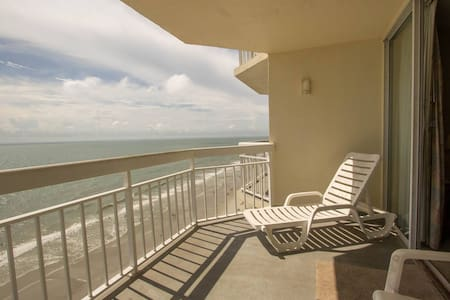 Perfect Oceanfront View at Waters Edge, Enjoy Spring Swimming with Indoor Pool and Hot Tub - Murrells Inlet - Condominium