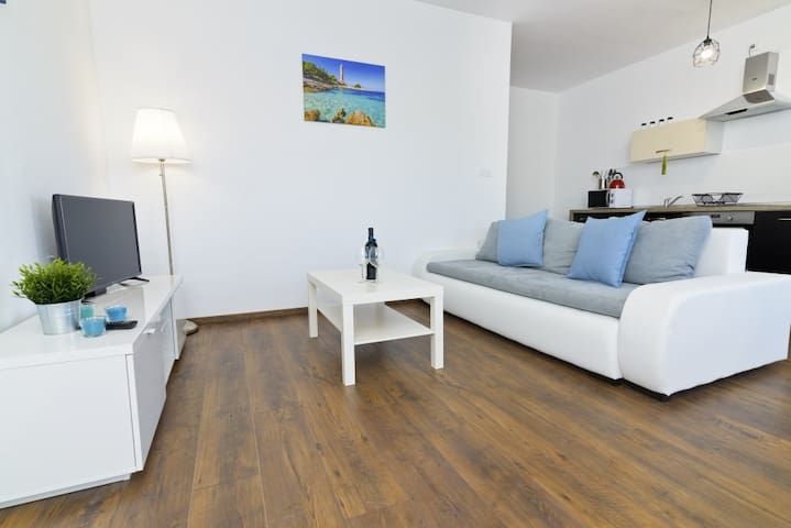 NEW Apartment D. in Jezera, Island Murter