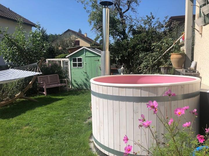 Gemütliche Atmosphäre mit HotPot und Garten
