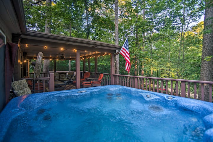 NEW! Broken Bow Oasis: Fire Pit, Pool Table, Patio