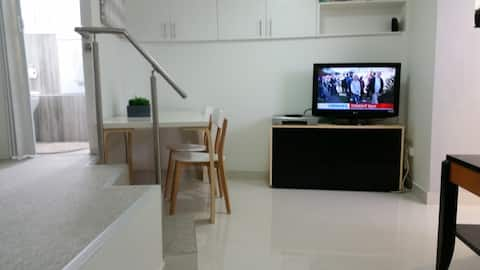 Privéstudio appartement in de buurt van luchthaven en stad