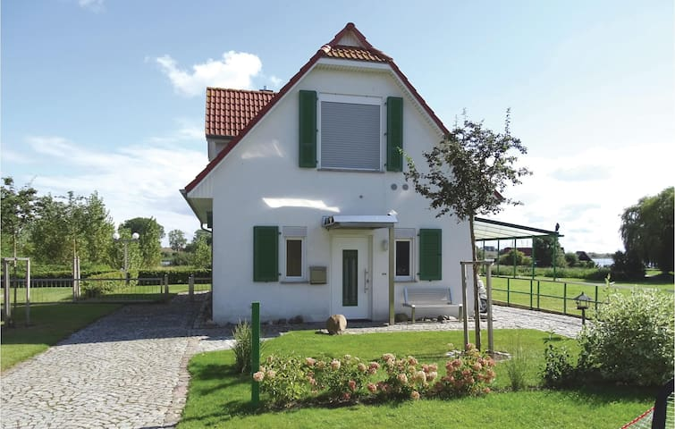 Holiday cottage with 2 bedrooms on 98 m² in Insel Poel/Kirchdorf