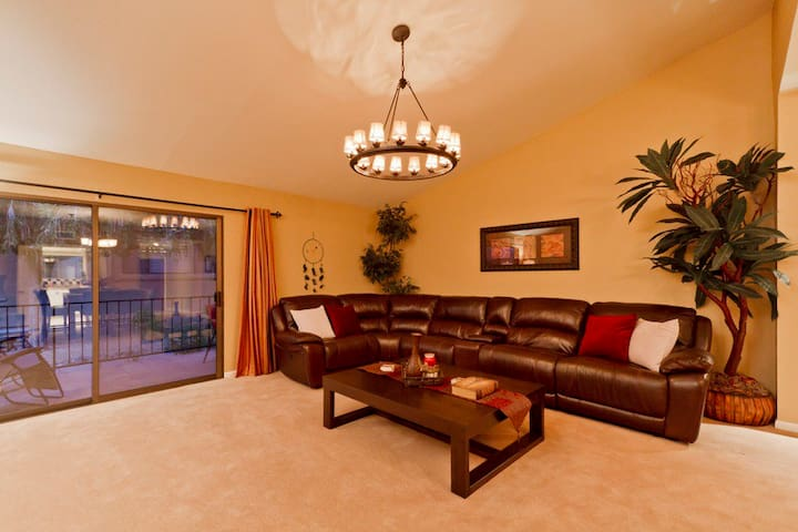 WINTER SPECIAL Sundance Trail 55+ Com 3 BR/ COM Pool/ Spa/ Scottsdale