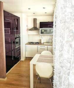 South Sunny apartment 3 minutes from city center