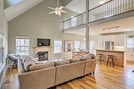 NEW! Luxe Family Home w/Fire Pit, Mins to Lake Fun