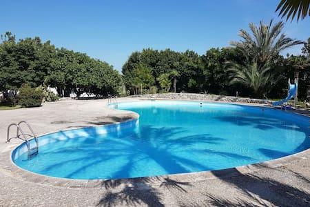 Casa con piscina in villa a Lecce! - Лечче - Дом