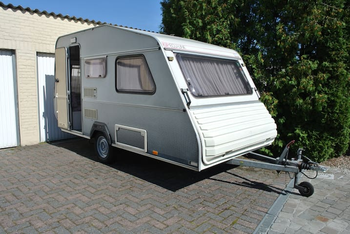 Caravan, klein en knus voor 2 - Lokeren