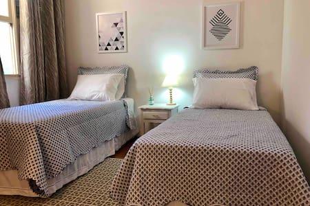 Hospedaria Caidóz - Aquário Room
