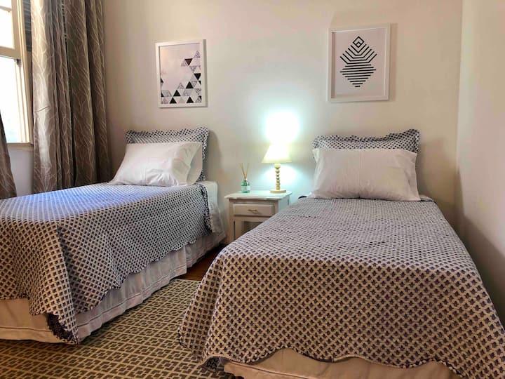 Hospedaria - Aquário Room - Com Ar Condicionado.