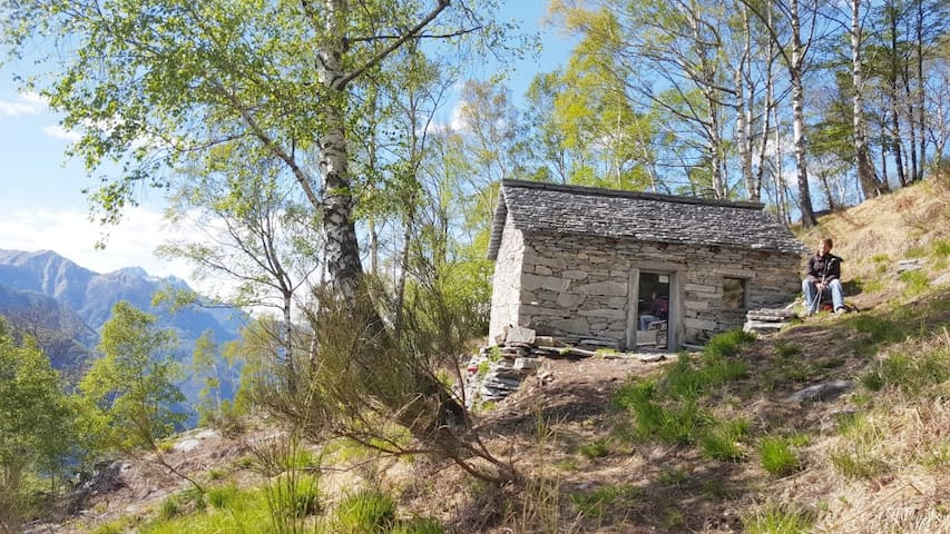 La Costa hut, lake view, 2 h walking distance