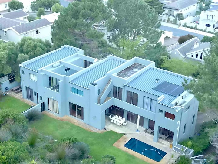 Picturesque Private Apartment in Hermanus Heights