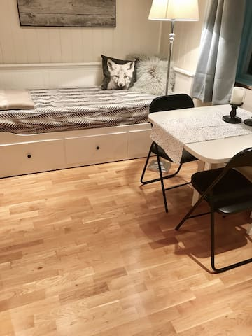 Super cozy room close to railway station
