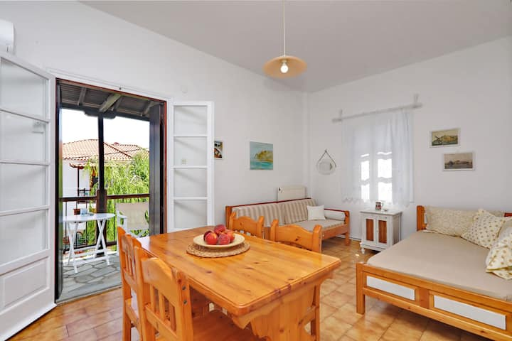 Skopelos Helen's Apartment