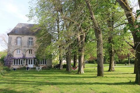 Charming historic house (18th century)  near Paris